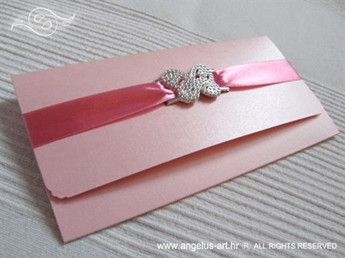roza ekskluzivna cestitka dekorirana satenskom trakom i leptirom