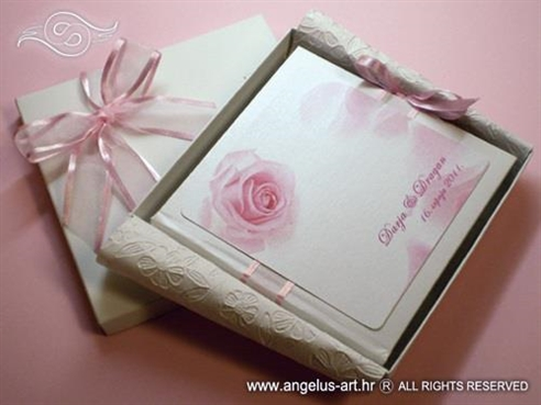 roza knjiga jastučić za prstenje s ružom i mašnom