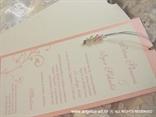 roza pozivnica s perlicama bijeli etui na izvlačenje