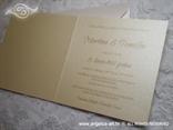 šampanj pozivnica s bijelim detaljima i perlicama tisak teksta