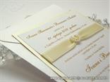 šampanj pozivnica za vjenčanje sa krem satenskom trakom i srcem