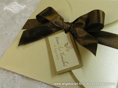 smeđe krem natural pozivnica za vjenčanje sa satenskom trakom