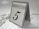 Srebrna oznaka stola za svadbenu svečanost