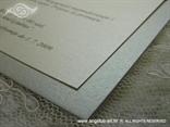srebrna pozivnica za vjenčanje detalj