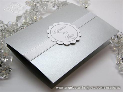 srebrna pozivnica za vjenčanje na rasklapanje s kartončićem