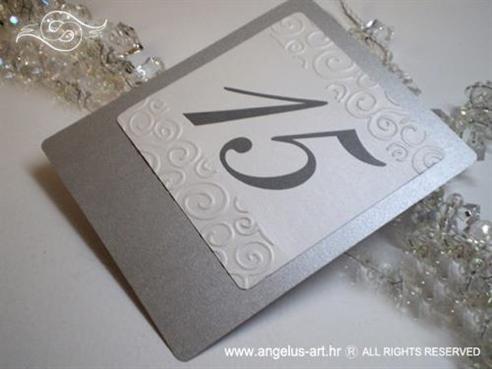 srebrni broj stola za vjenčanje s 3D uzorkom