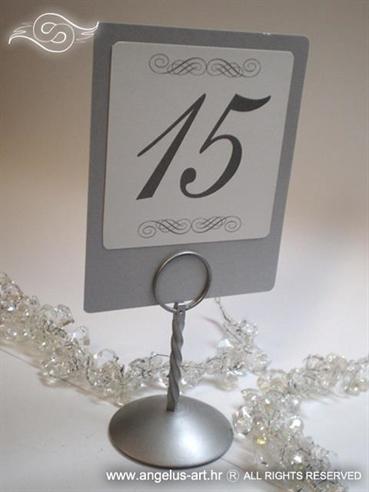srebrni broj za stol s tiskanim ornamentima