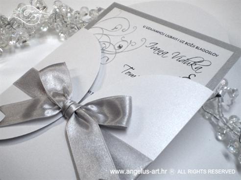 srebrno bijela pozivnica za vjenčanje s cirkonima