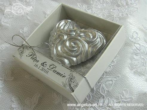 srebrno srce magnet konfet za vjencanje u kutijici