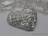 srebrno srce magnet za vjencanje s ruzama