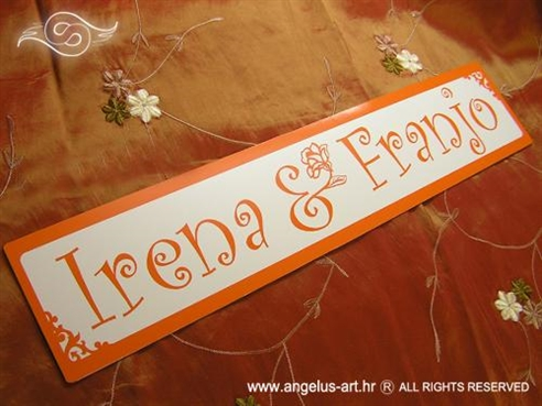tablica za auto ukrasna s imenima mladenaca narancasta