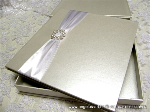 White Guestbook