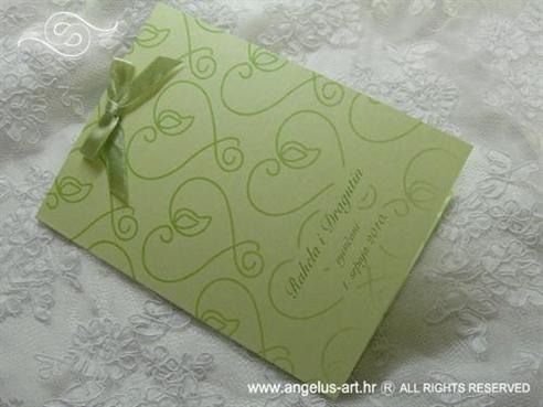 zelena zahvalnica s mašnicom i srcima