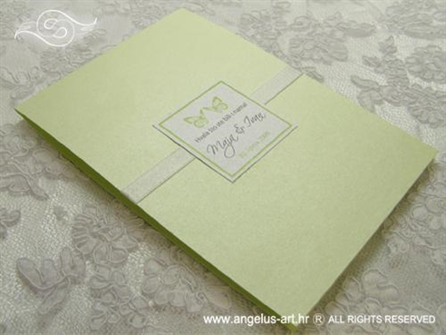 zelena zahvalnica za vjenčanje s dva leptira