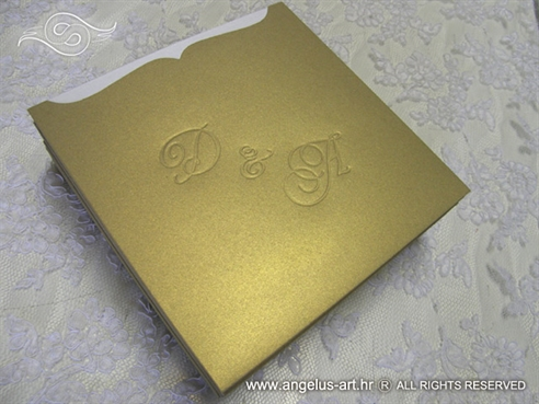 zlatna depicasta pozivnica sa monogramom 15x15cm