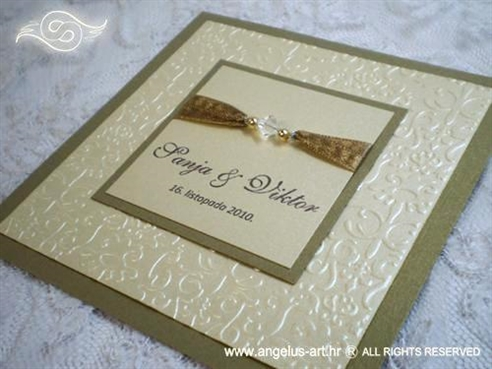 zlatna pozivnica za vjenčanje s perlicama i 3D strukturom