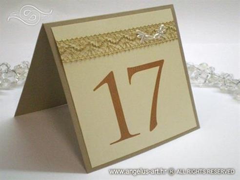 zlatno krem broj stola za svadbenu večeru